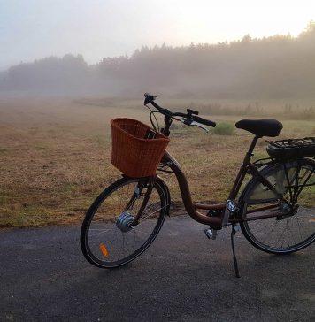 Hva mener en ivrig motorsyklist om første turen på en elsykkel?